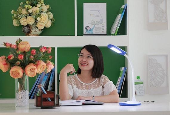 6 điều cần biết khi mua đèn bàn học