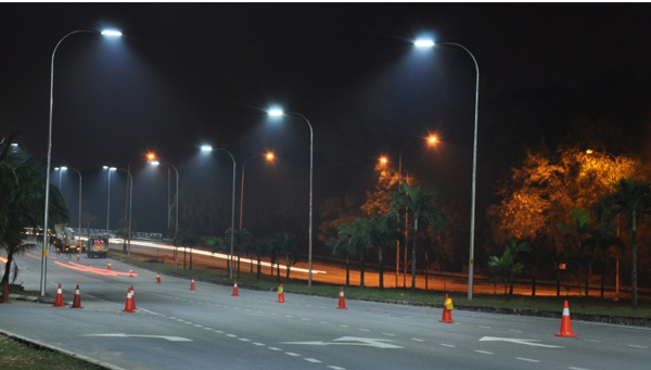 Đèn đường led BRP711 LED44/NW 36W PSU II DWP3 Philips